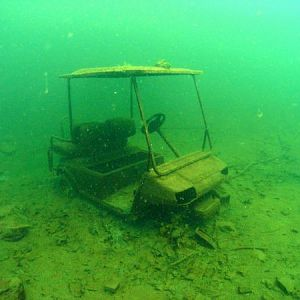 golf-cart-under-water